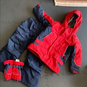 The Squall Jacket, snow pants and glove set